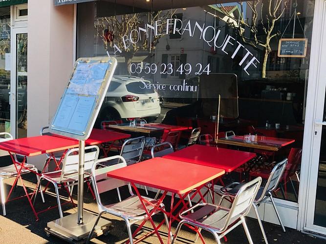 Restaurant-Biarritz-La-Bonne-Franquette-Deco