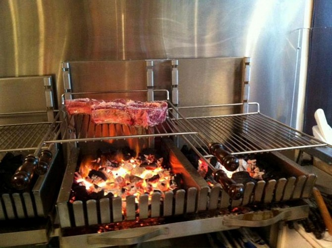 Haragia Biarritz grill