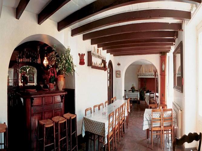 Hotel restaurant Barberaenea - salle de restaurant - Bidarray