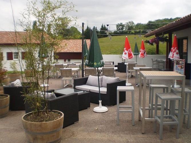 Restaurant Jarapea - terrasse entree - Irouléguy