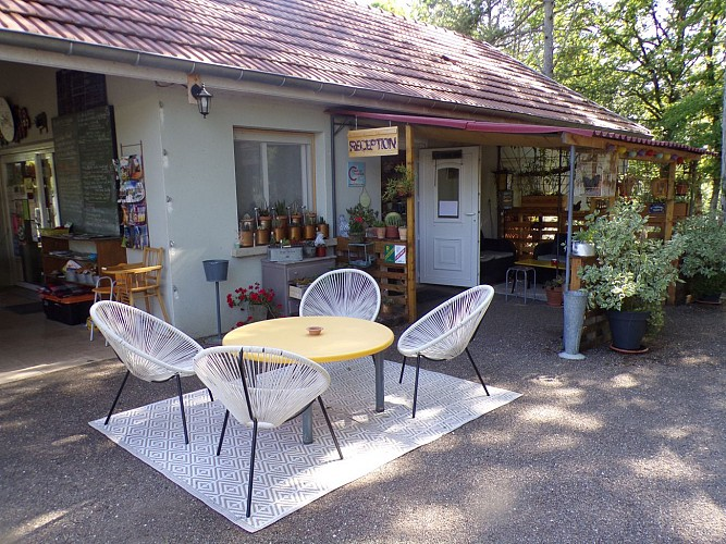 terrasse camping Champlitte