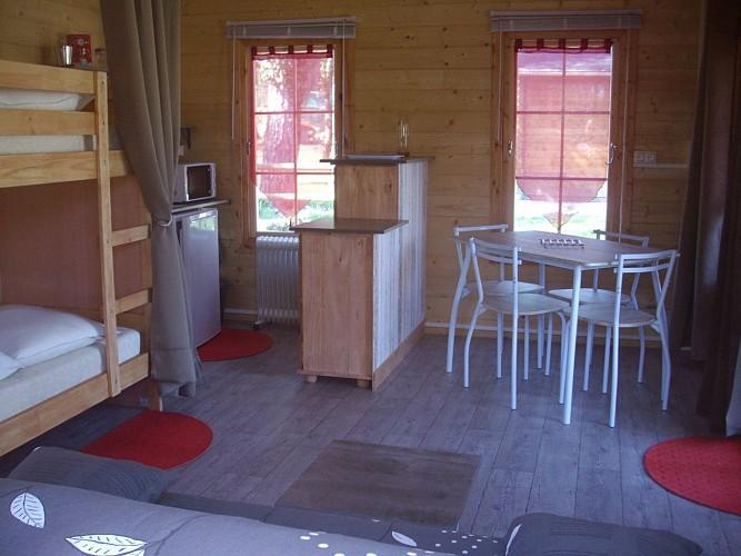 intérieur chalet camping Champlitte