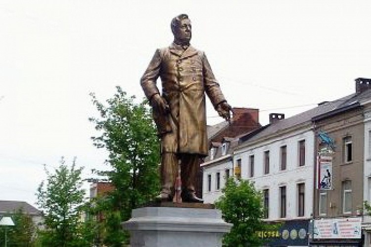Statue d'Amand Mairaux