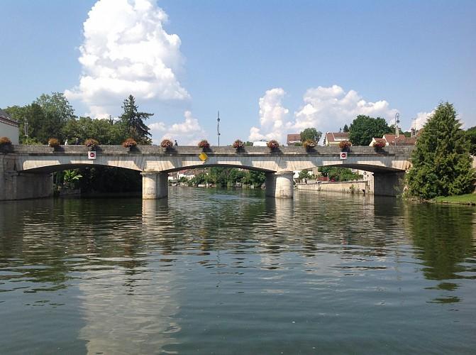 The Big Bridge (Le Grand Pont)