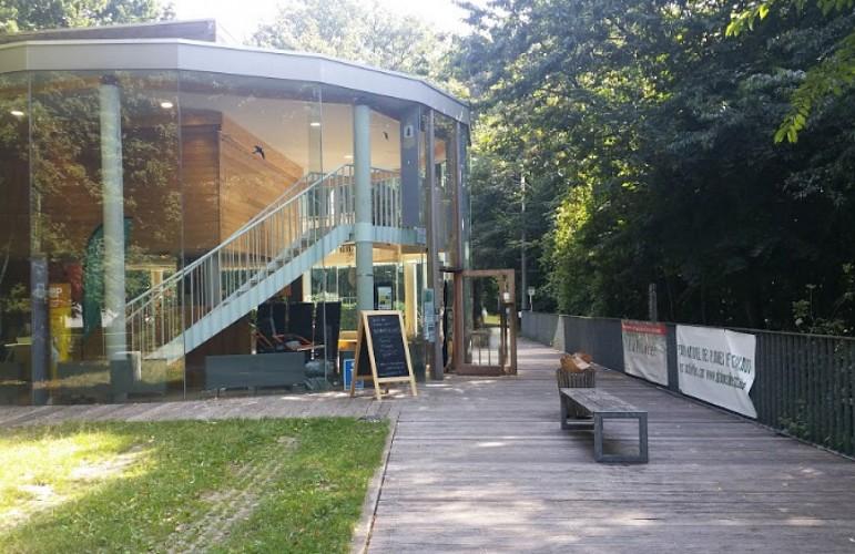 Maison du Parc et accès au Promenoir des cimes.