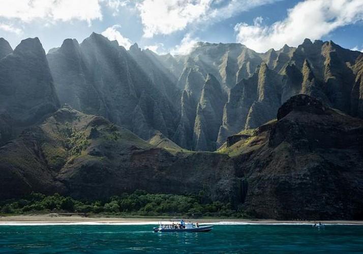Zodiac cruise, discovery of the Na'Pali coast and snorkeling - Kauai