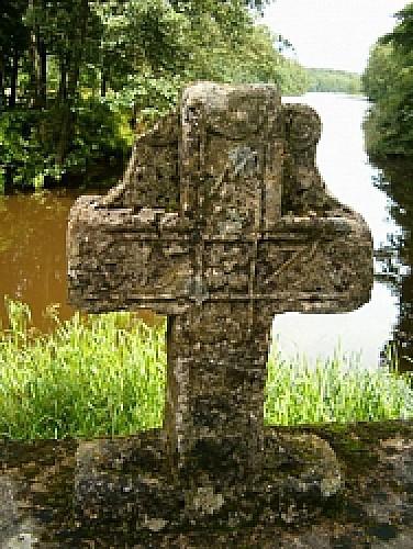 La croix du pont de l'étang de la fabrique