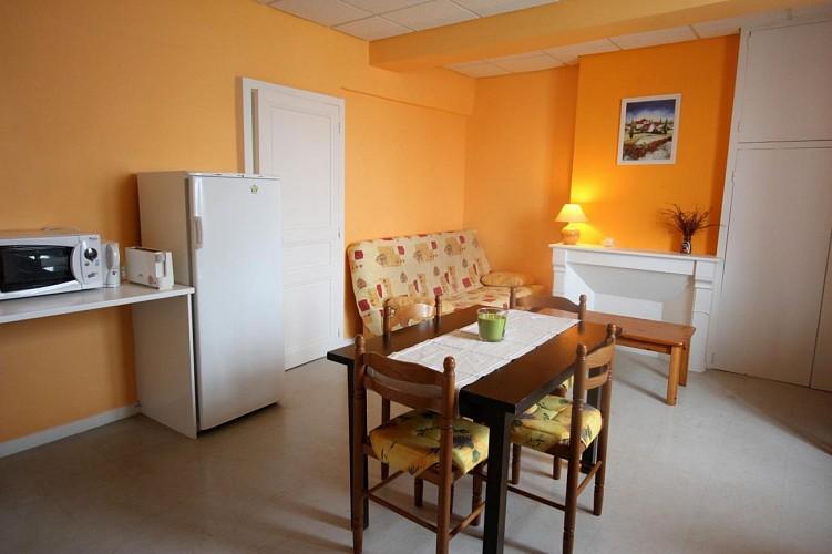 872052 - 6 people - 2 bedrooms - 2 épis (ears of corn) - Blond