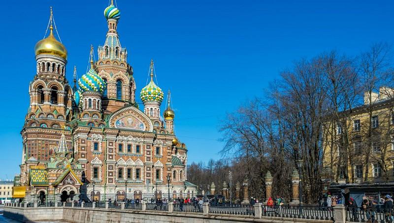 Visite privée des cathédrales de Saint-Sauveur-sur-le-Sang-Versé et de Saint-Isaac à Saint-Pétersbourg – En français
