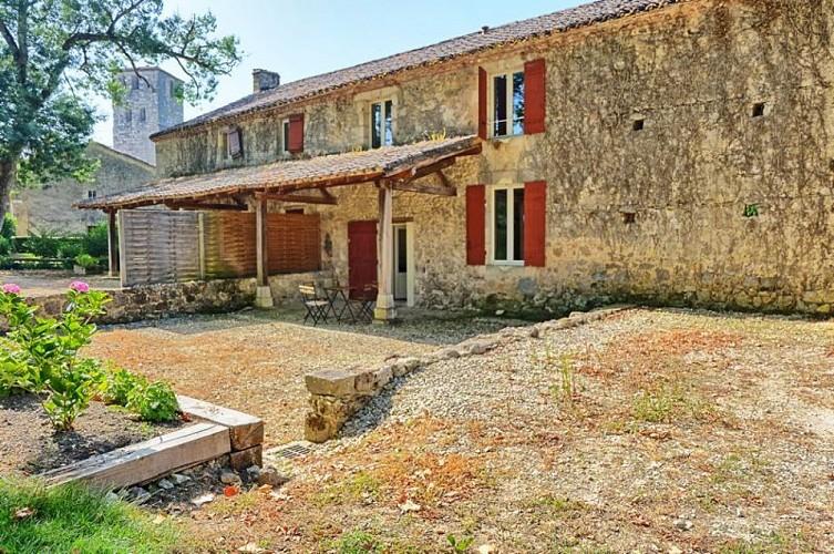 Chateau-de-Poudenas-Gite-Olive-01