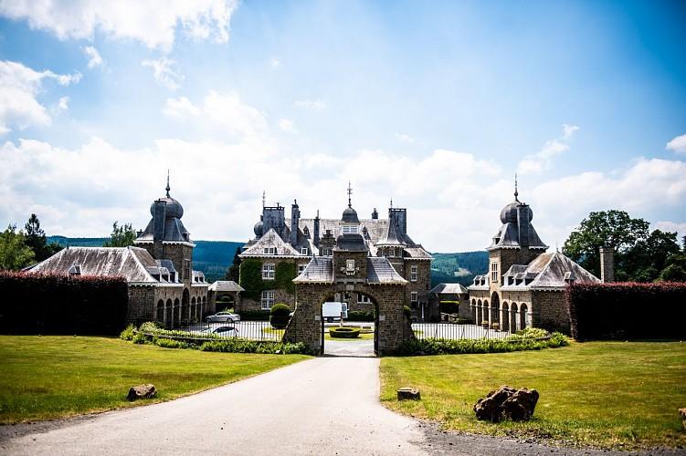 Détente dans le petit Versailles des Ardennes