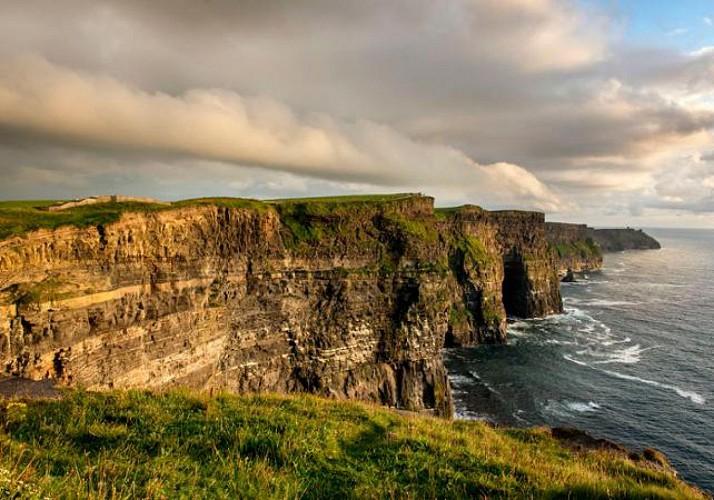 Excursion aux Falaises de Moher, Galway et Wild Atlantic Way – En français au départ de Dublin