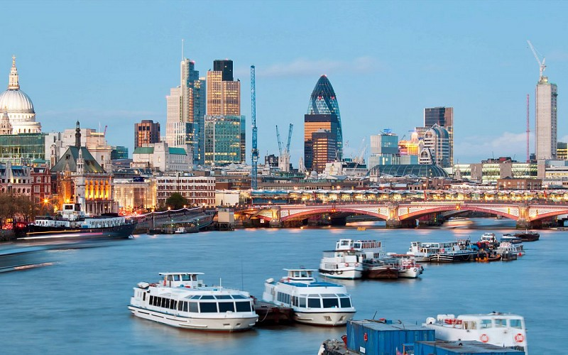 Westminster To Tower of London: Thames River Circular Cruise