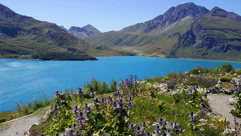 Col and lake of Mont Cenis