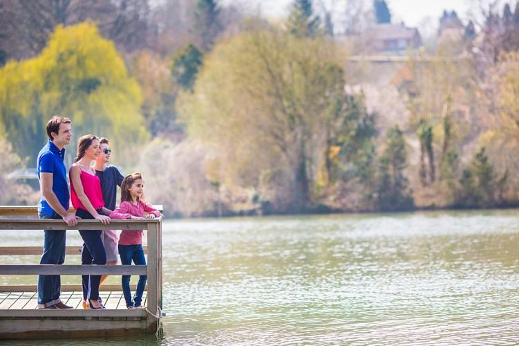 Prendre l'apéro sur le lac