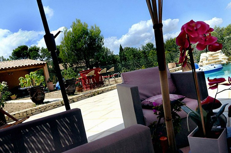 "Chambre d'hôtes ""Les Huppes"" – NIMES – location Gard"