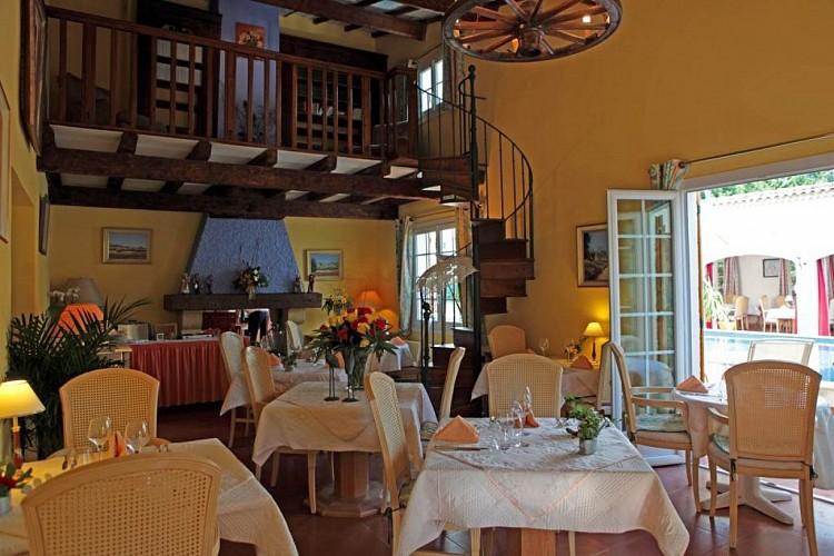 hotel restau l'hacienda proche nimes