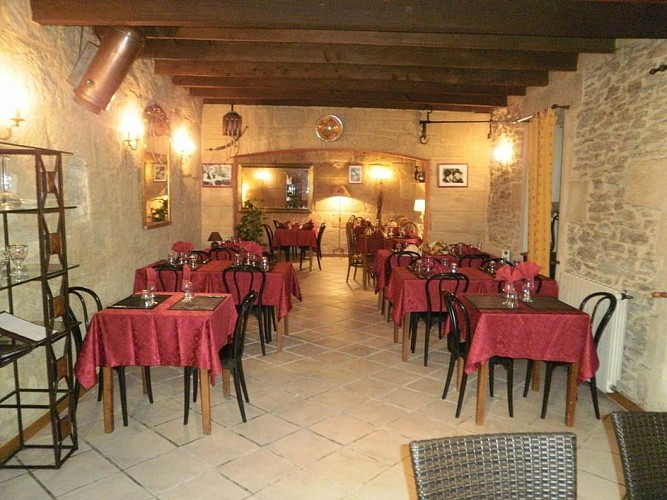 sernhac;gard;auberge;auberge restaurant guigare