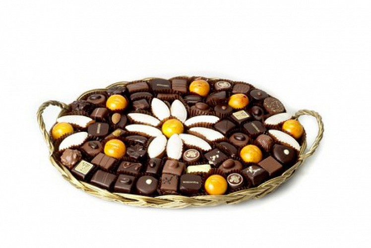 Une panière de chocolats