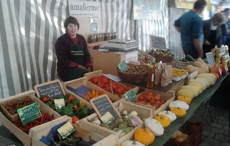 amaferme_stand_sept2012.jpg_4