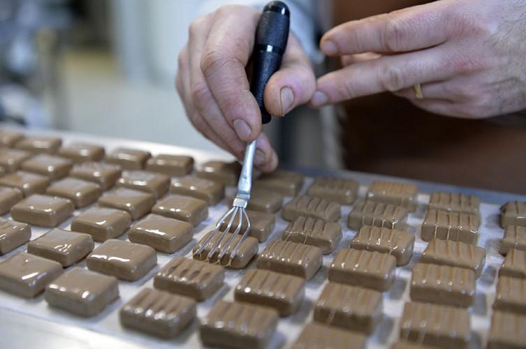 La boutique face à la gare SNCF
