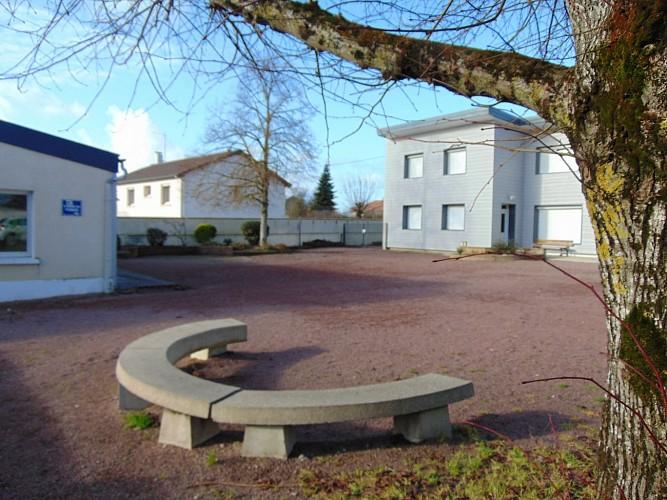 argentonnay-mfr-cour