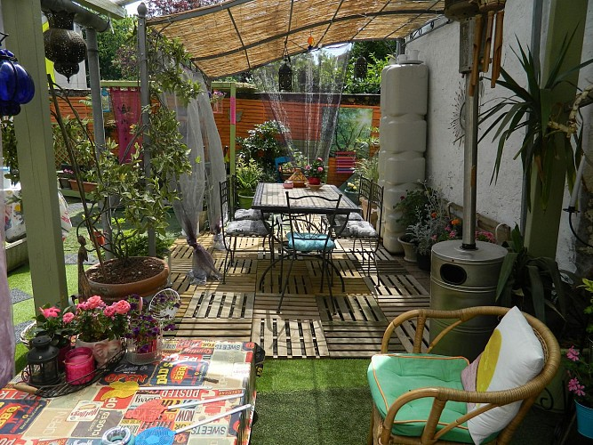 st maurice-etusson-chambre-dhotes-la-fougereuse-terrasse.JPG_1