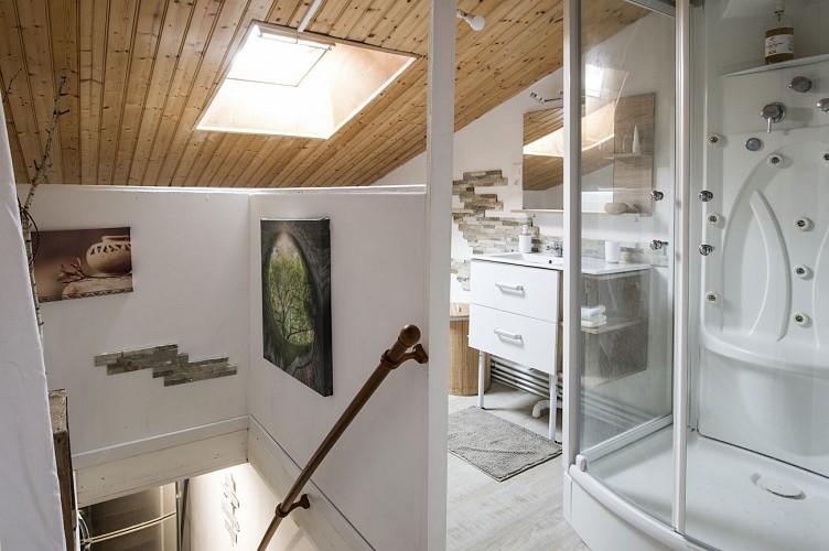 le-breuil-bernard-chambre-dhotes-le-duplex-salle-de-douche.jpg_4