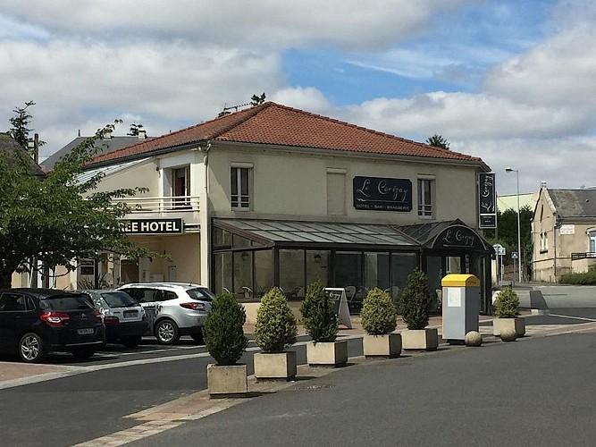 cerizay-hotel-le-cerizay-facade
