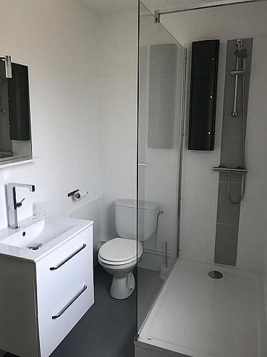 cerizay-hotel-le-cerizay-salle-de-douche