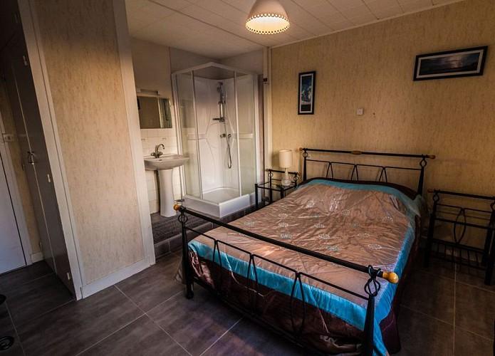 Hotel-Beau-Soleil-Robert-Ste-Radegonde-Thouars-Thouarsais-Deux-Sevres-Nouvelle-Aquitaine--5-
