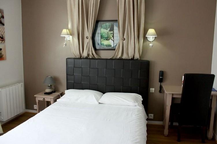 Hotel-du-Relais-Brimant-Louzy-Thouarsais-Deux-Sevres-Nouvelle-Aquitaine--5-