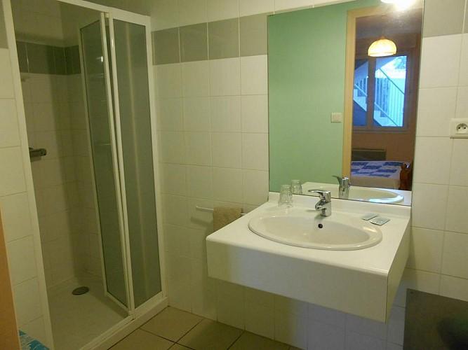 rorthais-hotel-chez-seb-et-claire-salle-deau-douche
