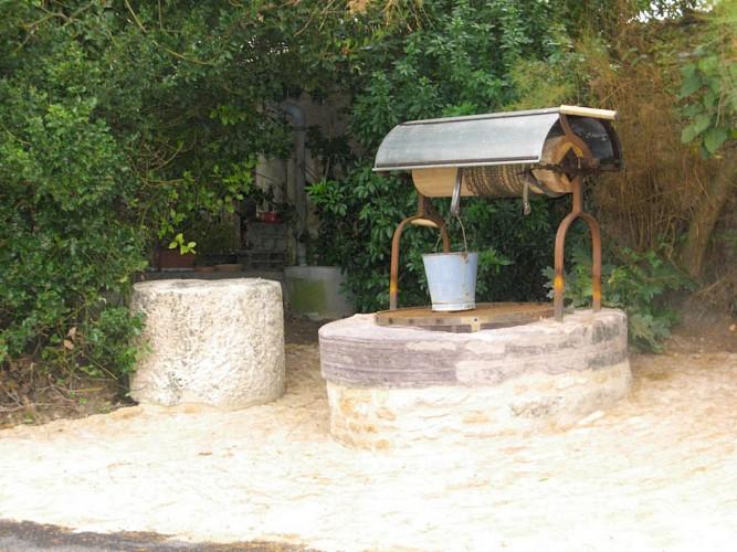 Un vieux puits