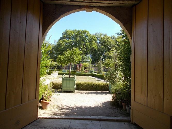 Chateau-St-Loup--7-