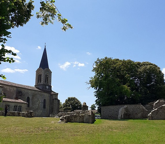 Chapelle-Bertrand-chevet eglise.jpg_1