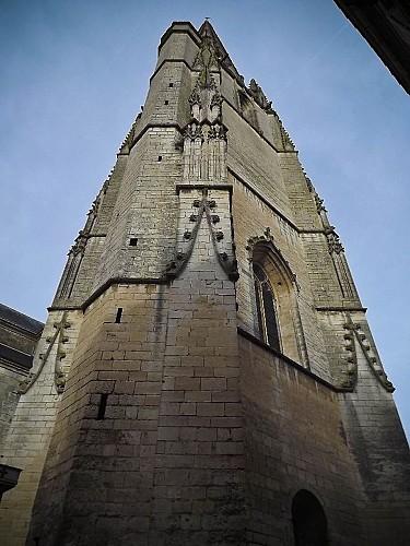 La flèche du clocher de Notre-Dame de Niort