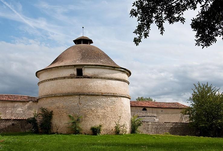 Le pigeonnier du château d'Allerit