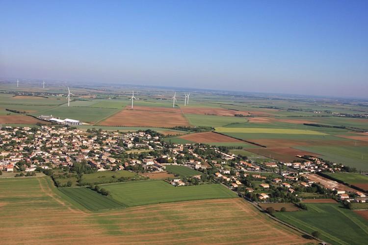 Vue aérienne de la commune de Saint-Rémy-en-Plaine