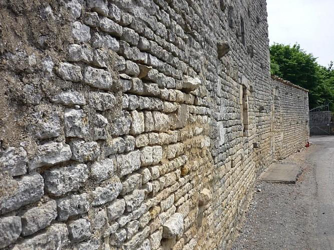 Un mur en moellons