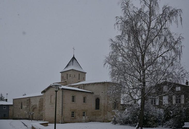 L'église Sainte-Marie-Madeleine sous la neige