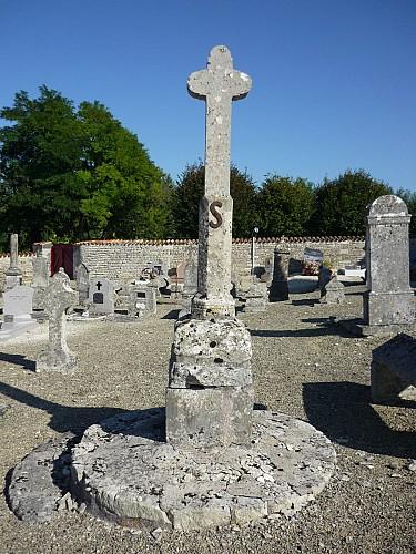 La croix hosannière du cimetière