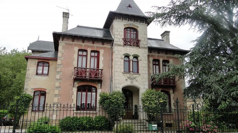 Balade-patrimoine---detail-1-Isabelle-Joachim-mairie-Coulonges-sur-l-Autize