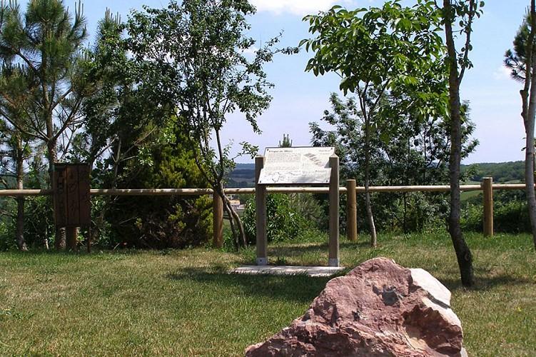 belvédère cirque Missé Thouarsais panorama nature compresse2.JPG_2