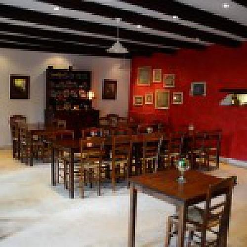 Ferme-du-Puy-dAnché-salle de restauration
