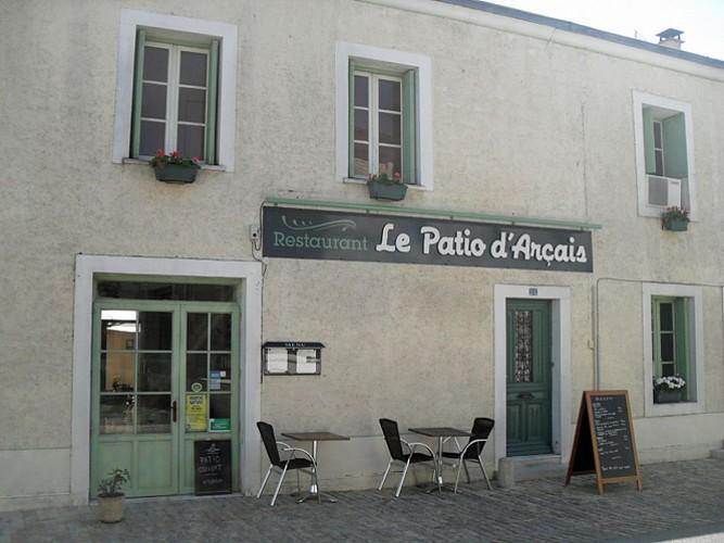 facade_restaurant_patio_arcais.jpg_2