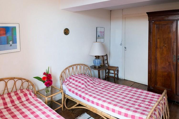 Domaine-du-prieure-Virsac---chambre-9-800x600