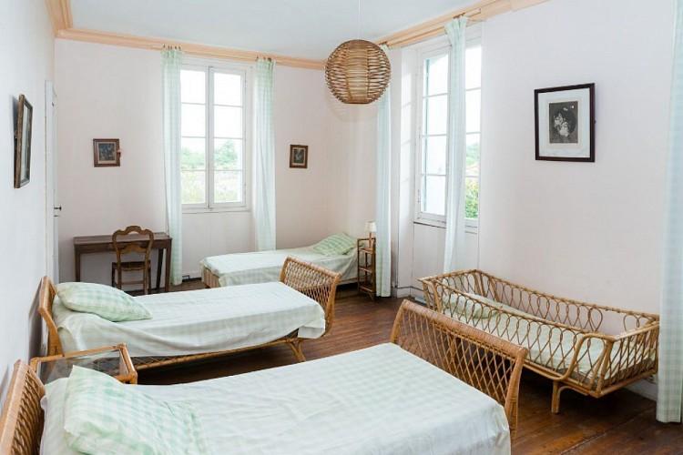 Domaine-du-Prieure-Virsac---chambre-6-800x600