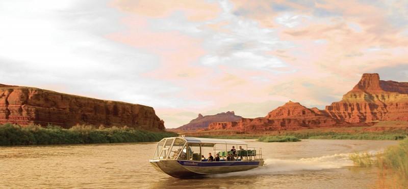 Tour en jet boat au coucher du soleil sur le Colorado avec dîner - Moab