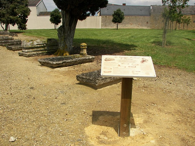 Cimetière médiéval de Faveraye